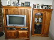 Tv Unit & additional side unit. Comes with FREE 66cm Sanyo TV.